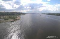 У Волги много проблем, теперь ещё  река и «пятнами пошла».
