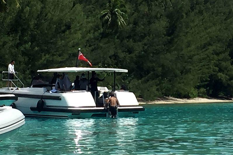 18 апреля 2017 года. Барак Обама отдыхает на яхте во Французской Полинезии.