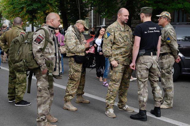 «Патриотам» можно все. Радикалам на Украине простили стрельбу в Мукачево
