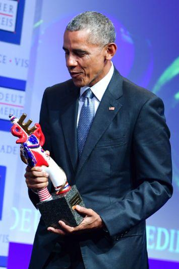25 мая 2017 года. Барак Обама получил премию Deutscher Medienpreis (Немецкая премия в средствах массовой информации) в Баден-Бадене.