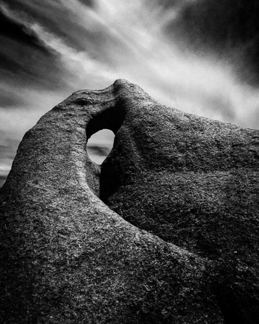 1 место в категории «Пейзаж» — «Поющая скала» на побережье в скалах Вайдауд, Австралия.
