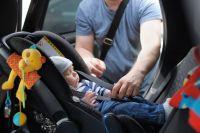 В какую сторону надо клеить значок ребенок в машине