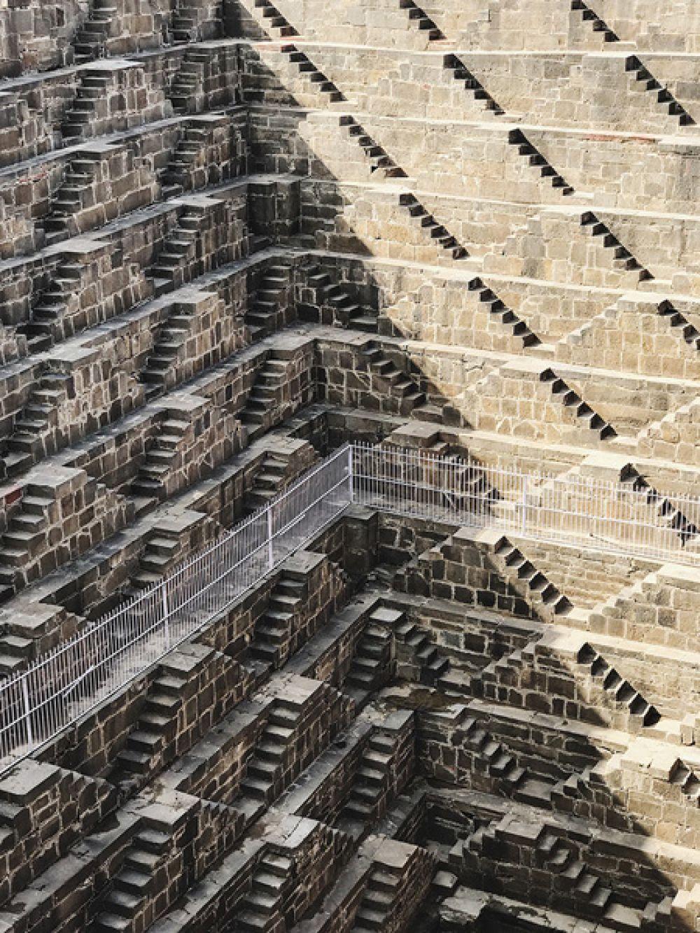 1 место в категории «Архитектура» — Ступенчатый колодец Чанд Баори, Раджастхан, Индия.