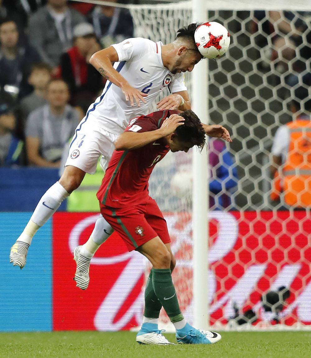Как команды ни пытались, забить гол в основное время и в овертайме не удалось.