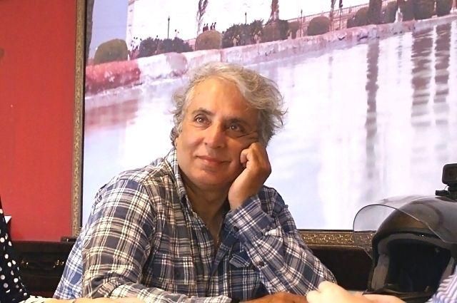 Адитья Радж Капур.