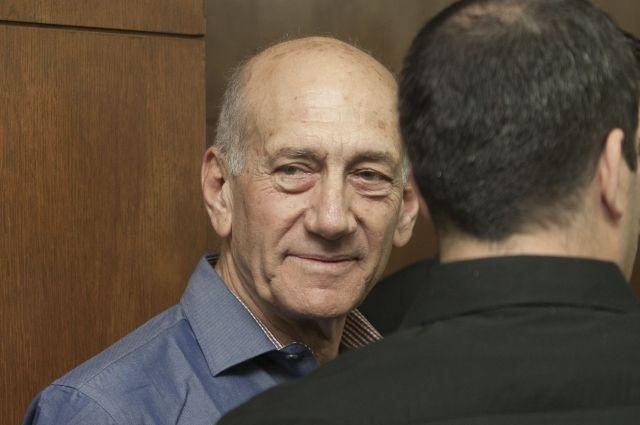 Власти Израиля решили досрочно освободить экс-премьера Ольмерта