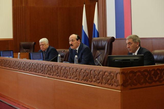 Руководитель Магарамкентского района принял участие врасширенном совещании руководства РД