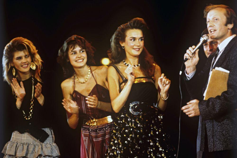 1988 год. Конкурс красоты «Московская красавица-88». Финалистки отвечают на вопросы сатирика Михаила Задорнова.