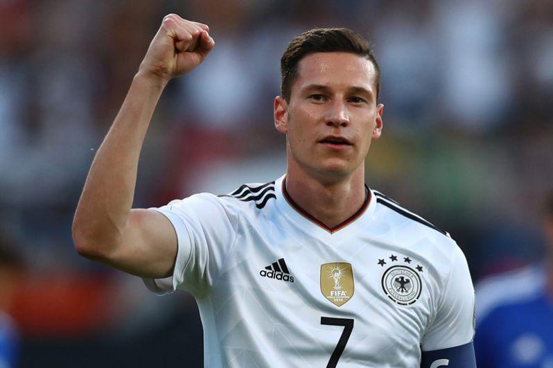Юлиан Дракслер. Самый талантливый игрок своего поколения — так характеризуют Дракслера, играющего за французский «Пари Сен-Жермен», специалисты. В нынешней составе сборной Германии он буквально незаменим.