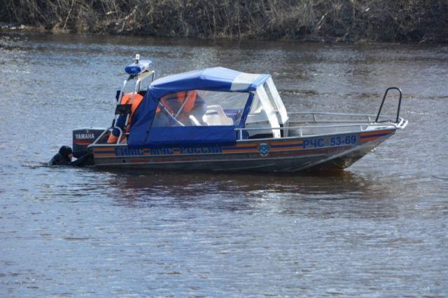 Возере Песьво найдено мужское тело — МЧС
