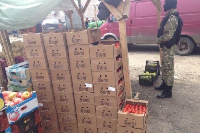 Вгубернии уничтожено неменее 300кг санкционных томатов изТурции