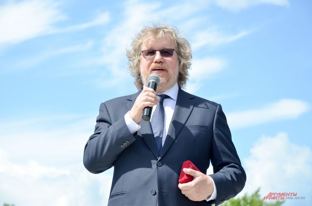 Автор памятника Александр Кокотеев.