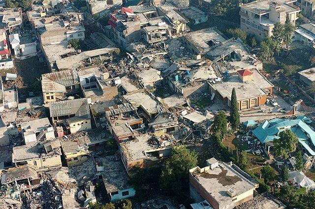 ВПакистане число жертв при взрыве бензовоза выросло до 173