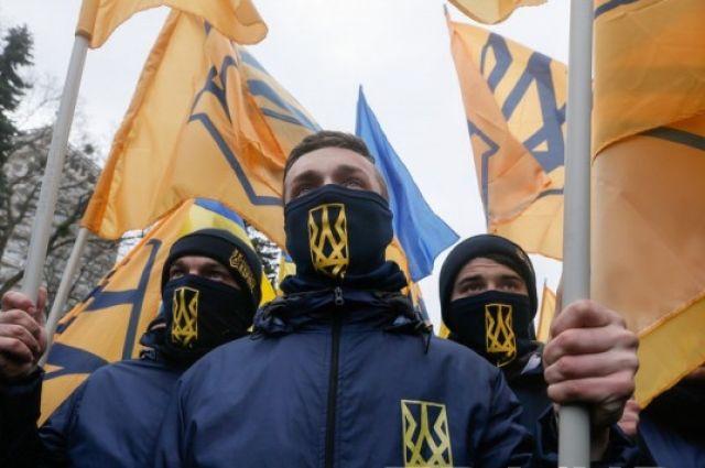 В Киеве оцепили посольство Польши из-за дня рождения Шухевича