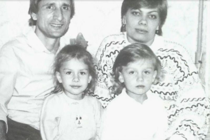 Вероника Савчук, 14 лет, и Слава Савчук, 13 лет.