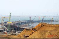 Министр транспорта РФ назвал хорошими темпы строительства моста в Крым.