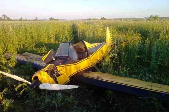 Умер пилот рухнувшего в Самарской области легкомоторного самолета.