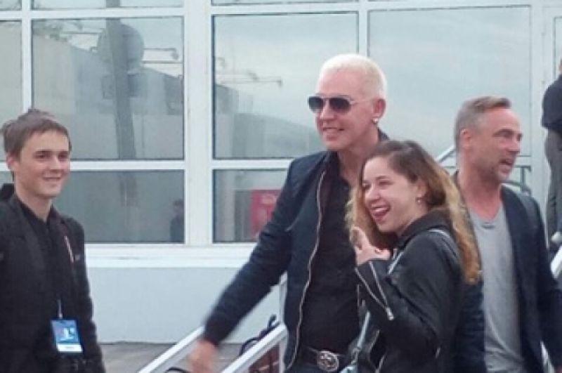 Музыканты прибыли в пермский аэропорт за час до выступления.