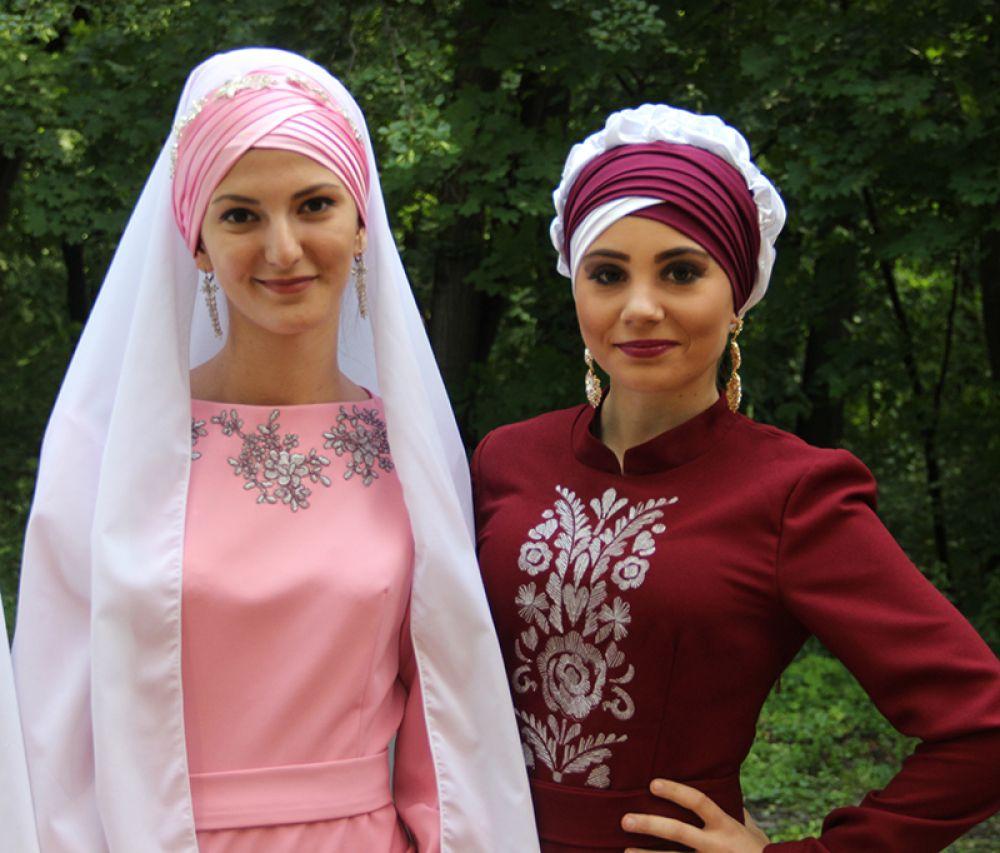 Татарские красавицы.