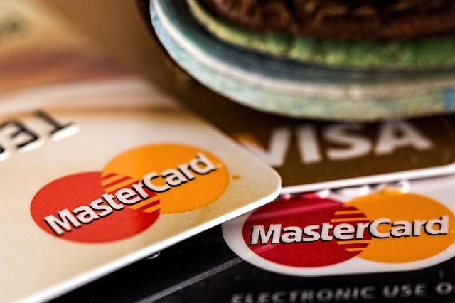 Можно ли давать номер банковской карты