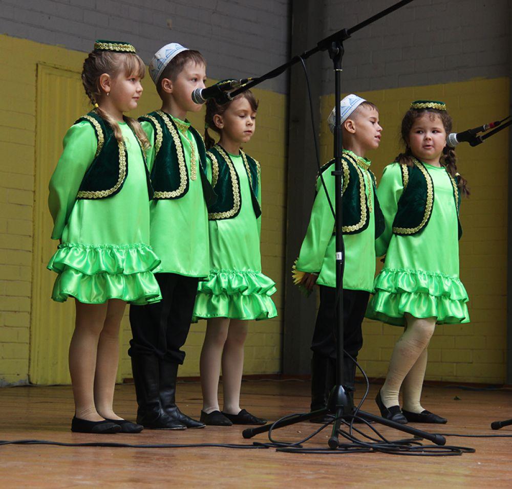 Юные участники праздничного концерта.