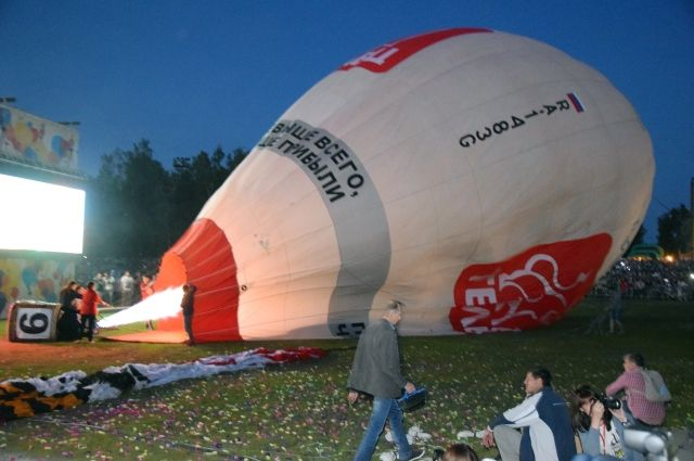 Некоторые приехавшие на фестиваль зрители так и не смогли увидеть воздушные шары в небе.