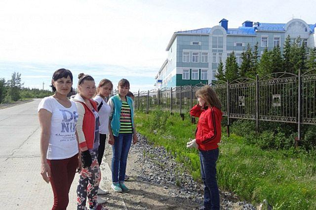 С наступлением навигации в отдаленные поселки Ямала начали завозить топливо.
