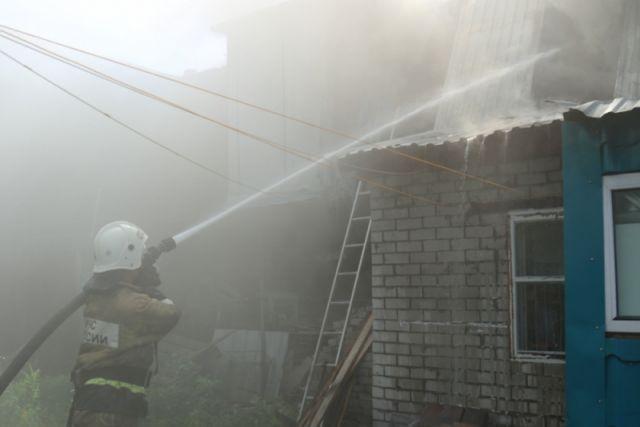 В Кемерове и Кемеровском районе ночью горели бани.