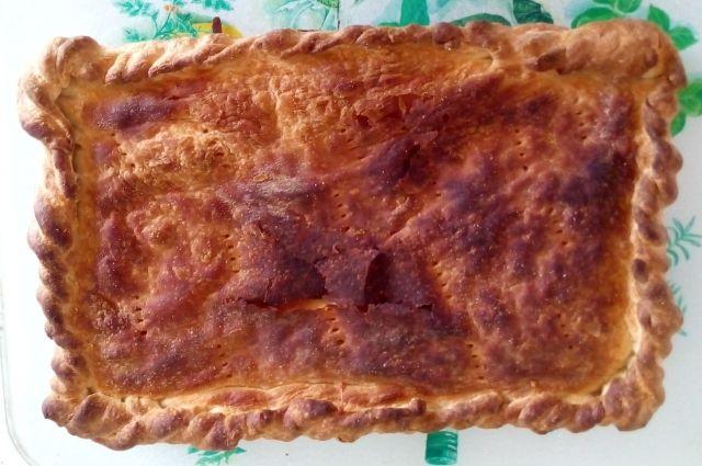 Вкусный и ароматный пирог прост в приготолении и экономичен.