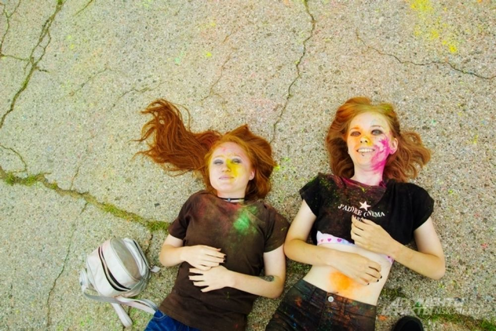 Самые смелые и креативные фотографировались, лежа на асфальте