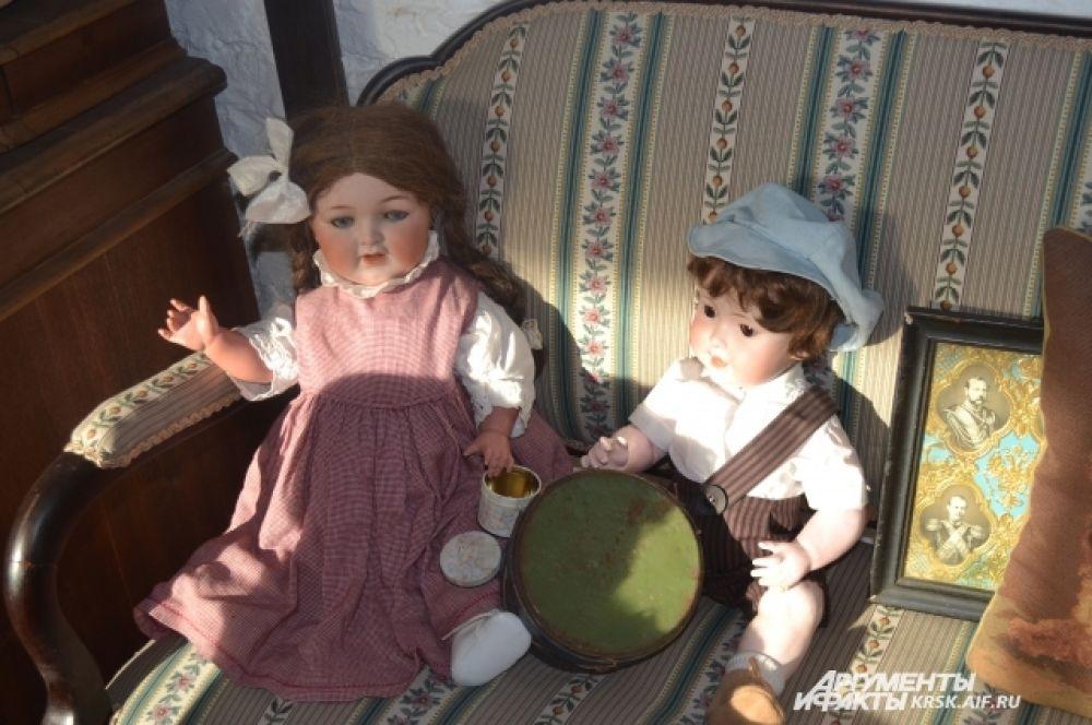 Самые первые куклы в коллекции.
