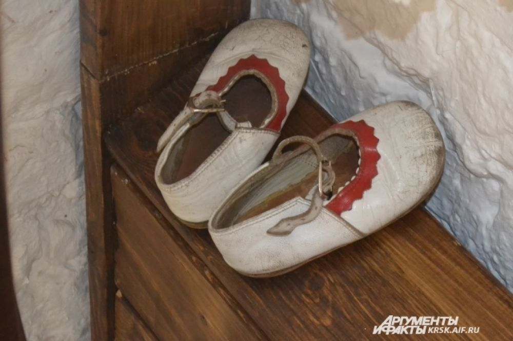 Детские сандалики досоветских времен.