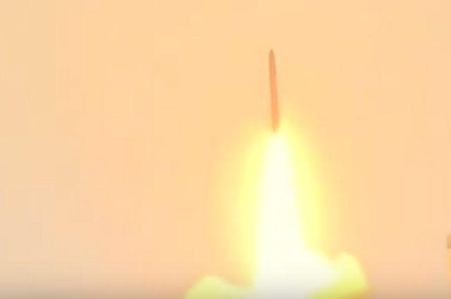 Рогозин: промышленность РФ готова создать тяжелую баллистическую ракету