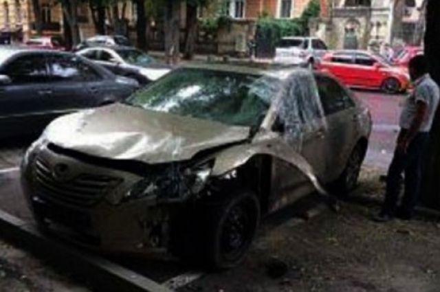 Вцентре Одессы на стоянке взорвали иномарку бывшего депутата