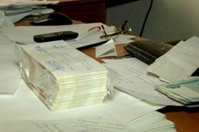 Обвиняемый незаконным путём получил более 250 000 рублей