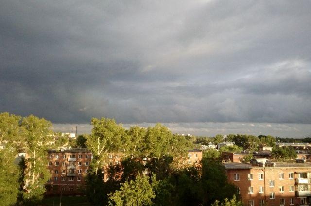 На территории Кузбасса ожидаются грозы с градом и сильным ветром.