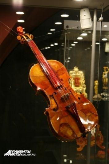 Скрипа из янтаря, на которой можно играть, существует только в единственном экземпляре.