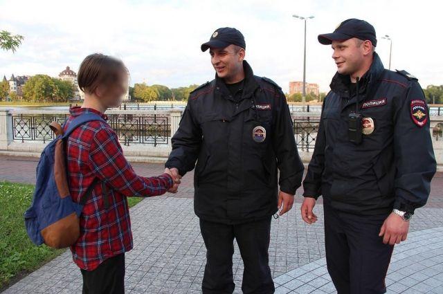 В Калининграде подросток спас тонущую в озере женщину.