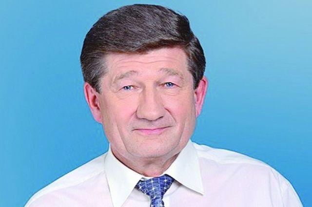 Вячеслав Двораковский получает сомнительные, по мнению прокуратуры, премии.