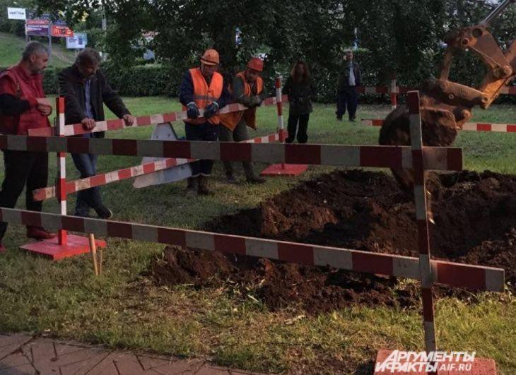 Раскопки начались поздно вечером 4 июля.