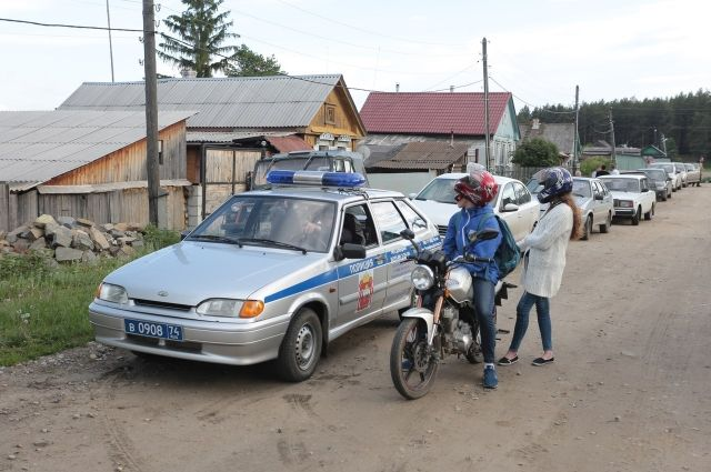 В поиске подростков принимают участие более 50 сотрудников полиции.