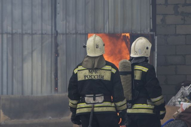 В результате пожара сгорели крыша и перекрытия дома.
