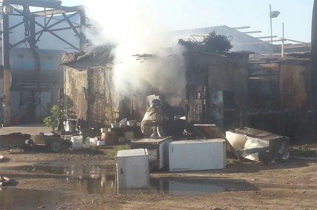 Пожар на складе в Ангарске.