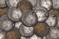 По всей видимости, именно такие монеты могли быть украдены поручиком Норовым.