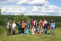 Участники проекта «Светлояр русской словесности», путешествуя по литературным «тропинкам», учатся видеть красоту родного края.