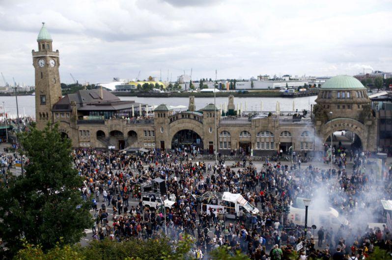 Массовые беспорядки в Гамбурге перед саммитом G20.