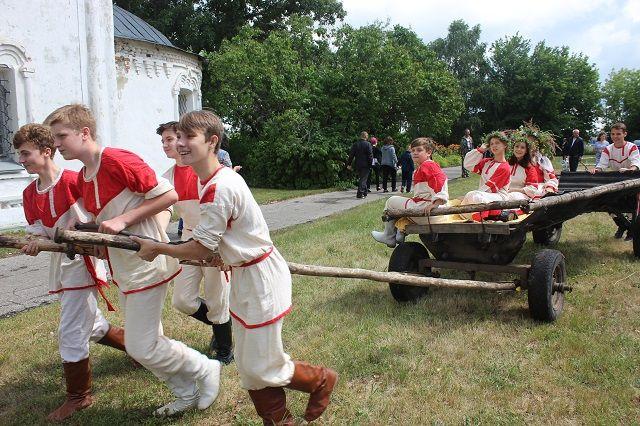 Главным событием предстоящих выходных станет Тихвинская ярмарка в селе Радищево.
