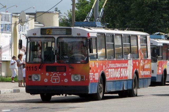 Пострадавшая втроллейбусе брянская пенсионерка отсудила около 140 тыс. руб.