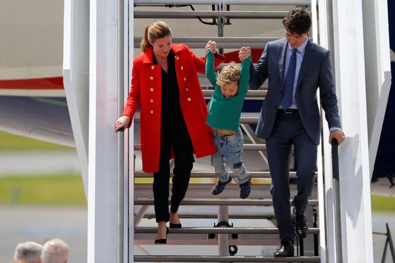 Премьер-министр Канады Джастин Трюдо, его жена Софи и сын Хадриен.
