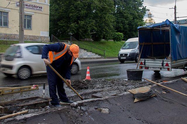 До начала августа должен быть закончен ремонт еще 14 автодорог.